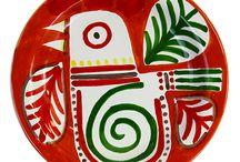 """Servizi piatti Mangiallegro Ceramiche di Sicilia - Mangiallegro serving plates ceramics of Sicily / Servizi Piatti Tavola Linea Mangiallegro.  Questi prodotti sono realizzati dagli ex dipendenti del maestro d'arte palermitano Giovanni De Simone oggi riuniti sotto un nuovo BRAND """"Ceramiche di Sicilia SRL"""""""