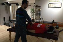 """Pacientes Optimmus - Álex Gallego / Alex Gallego se había roto los ligamentos de la clavícula jugando a """"paintball"""" cuando llegó a #Optimmus hace 3 años. Su espalda no es la misma, nos comenta, """"pero con Daniel recupero. Viniendo aquí puedo aguantar"""". Cada semana equilibramos su #sistemamuscular, lo ponemos a punto y va """"fent camí"""". Hoy hace vida normal. Un luchador. ¡Vamos, no hay dolor si lo tratamos bien!"""