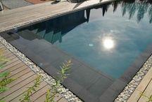 Jardin piscine villa tetard