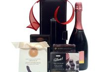 Wine Gift baskets / Finest wines in beautiful baskets, will make happy someone.