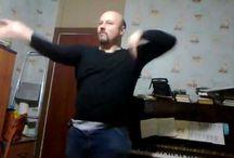 Ильвовский танцует спонтанно по жизни