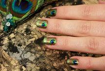 Jump Back Ball - Peacock Nails