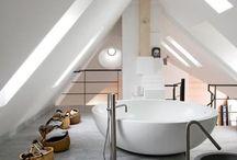 Bathroom • Μπάνιο