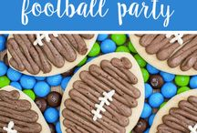 Football & Tailgating / Fall means football games and tailgating! Creative tailgating recipes, crafts and ideas perfect for football.