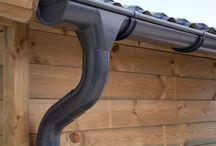 Kits Gouttière Zinc | Anthracite / Une gouttière en zinc offre à votre abri ou chalet de jardin par exemple, la protection idéale contre les dégâts des eaux. Vous pouvez évacuer l'eau directement par la descente ou la collecter à l'aide d'un récupérateur d'eau. La gouttière en zinc est disponible en zinc titane et zinc naturel.