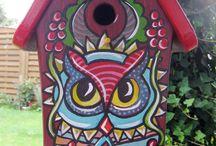 Vogelhäuschen / Liebevoll handgemalte und personalisierte Vogelhäuschen und Nistkästen.
