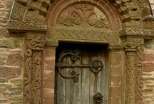 Drzwi, wrota i wierzeje