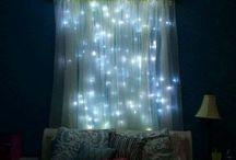 habitaciones con cortina y luces