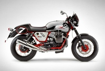 Moto Guzzi V7 Racer / The Racer is now the only sport version of the V7 and the model in the range which benefits the most from the two most significant changes: The new single throttle body V twin, which provides more sporty performance, and the metallic tank, further enhanced by the specific chroming of this elite version.