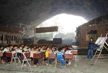 Escuelas y aulas del mundo / Cuando estudiar se hace de otro modo.