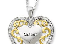 Mother's Day Gift Guide / Smart Bargains 2016 Mother's Day Gift Guide. Curated collection of special gifts for the extraordinary woman in our life we call Mom.