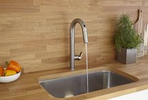 Beale Touchless Kitchen Faucets / Three cheers and do the wave! Beale Touchless Faucets turn on and off with just the wave of a hand. Oh the possibilities!