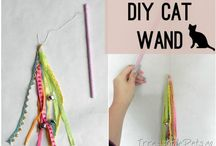 "DIY Cat Toys / Easy and fun ""Do It Yourself"" projects for your cat(s)!"
