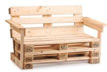 panchina e altro in legno