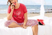 Dessous & Homewear / Egal ob T-Shirt-BH oder Entlastungs-BH - bei uns findet jede Frau mit Kurven modische und bequeme Unterwäsche.