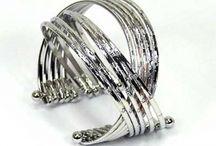 Bracelets  / métal exempt de nickel et de plomb conformément aux directives européennes-diverses matières et coloris