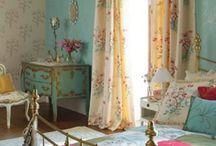 Sophie's room / Vintage/industrial/shabby chic- aqua/pink
