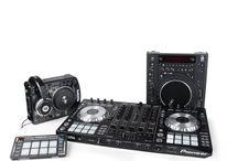 Sprzęt dla DJ / gramofony, odtwarzacze, słuchawki, kontrolery, miksery, igły
