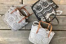 個性と実用と機能、荷物を入れて持ち運ぶ、携帯できる便利なbag