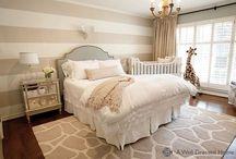 Maluch w sypialni rodziców