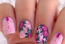 Цветы розовый
