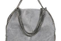 Stella McCartney bags / Hier vindt je onze prachtige leren Stella McCartney tassen. Deze tassen zijn te bestellen in onze webshop www.mynewbag.nl