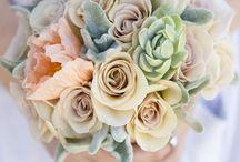 Peach Flower Arrangements & Bouquets