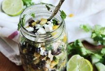Salad in the Jar / The deplorable trend of putting salad into the jar.