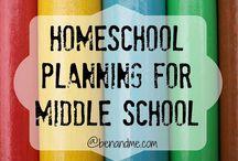 Escuela Intermedia / Middle School / Resources, ideas and curriculums to homeschool middle school students. / Recursos, ideas y currículos para educar en el hogar a estudiantes de escuela intermedia.