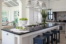 White Kitchen / White Kitchen