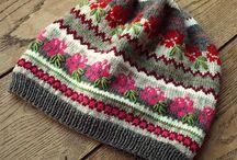 Шапочки, береты - жаккард, многоцветное вязание