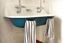 Bathrooms / by Raya Carlisle