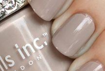Beauty - Nails / by Elvira Massa