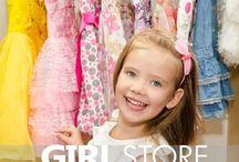 ABBIGLIAMENTO BAMBINA / Aliko Abbigliamento è specializzato nell'abbigliamento per bambina, ma non solo. Scegliamo con massima cura ed attenzione, i migliori capi di abbigliamento per i bambini e delle marche più prestigiose e alla moda.
