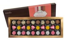 Classic Champagne Gift Boxes / Enjoy a scrumptious treat with this box of luxury champagne chocolates from Martin's Chocolatier. With orange and champagne coated in sherbet, strawberry and classic champagne truffles, there is something for everyone in this delicious box from the classics to something a little bit different.