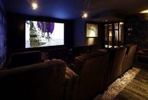 Hoog.design | Thuisbioscoop / Binnenkijken in de mooiste thuis bioscoop inspiratie van vooraanstaandebedrijven op gebied van domotica en architecten.