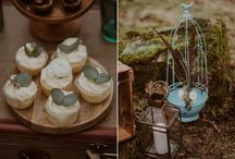 - WINTER WEDDING IDEAS - / We love how our vintage props can be used in a variety of ways.  Have a look at  the best winter wedding ideas, winter wedding decor, and winter wedding inspiration. | Nasze rekwizyty mają ogromny potencjał stylizacyjny. Tutaj zdradzamy Wam jak je wykorzystać przy okazji zimowych stylizowanych sesji zdjęciowych i  aranżacji wesel zimą.