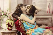 French Postcad Show How To Kiss Romantically from thhe 1920s