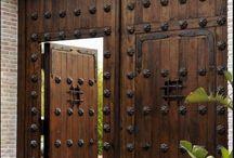 Gates Kapuk Ajtók
