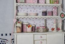 Dolls House Inspiration / Ideas to decorate my dolls house