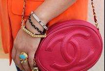 Handbags Galore / by Shatha Abdullatif