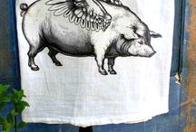 Piggy Bathroom ~ Towel