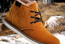 zapatos para hombres / is a board with pictures of different types and brands of shoes for men that I found in interned, there are several classes for different tastes and styles.