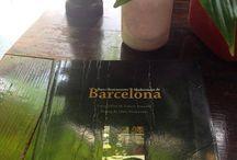 """""""Bars i Restaurants modernistes de Barcelona"""" / Llibre escrit per diferents autors (Lluis Permanyer, Consol Balcells, Elisenda Copons...), que dedica unes quantes pàgines a Restaurant Casa Calvet."""