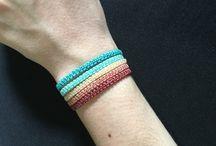 pulseiras 5 o 6 voltas em macramê coloridas