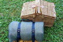 eshop PICNICTIME.cz / Dovážíme piknikové koše a deky z Velké Británie. Piknikové deky z čisté ovčí vlny a tweedové deky Tweedmill - made in Britain. Piknikové zboží od značky Navigate.