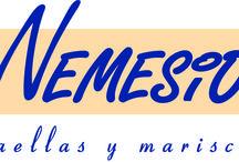 Nemesio. Arrocería - Marisquería (Grupo La Máquina) / En Casa NEMESIO se puede degustar el arroz en todas sus versiones: a banda, con verduras, de huerta y mar, negro, caldoso con bogavante y también la fideuá. También destaca por el marisco de las mejores lonjas de España: centollos gallegos, nécoras asturianas, bogavante, langosta y buey de mar nacional, ostras y almejas de Carril...