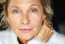 Beauty tips for 50+ women / Beauty tips for women over 50. Achieving your midlife beauty routine to keep skin looking smooth and youthful. Beauty tips and hacks for older women.