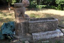 Fontana / Recupero di una fontana in calcare Rosso Verona, pulitura. restauro e montaggio delle singole parti.