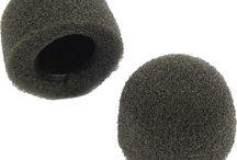 Headsets und Zubehör / Unsere Peltor 3M ComTac XPI Headsets sind in vielfältigen Variationen erhältlich, so beispielsweise mit Gentex dynamischem Mikrofon und Nackenbügel Headset oder Gehörschutz. Natürlich bieten wir auch optional Zubehör wie Silikon Gel Ohrpolster HY68, PTT Adapter, Helmbefestigungen für OPS Core Helme oder Windschutz M60/2 im Paar an.